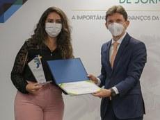 Desembargador Leonardo Trajano entregou um dos prêmios durante a solenidade, em Brasília.